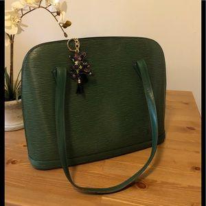 💕 Louis Vuitton Epi Lussac Shoulder bag